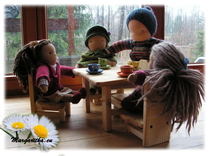 -farmers-joy-waldorf-doll-furniture-4_667