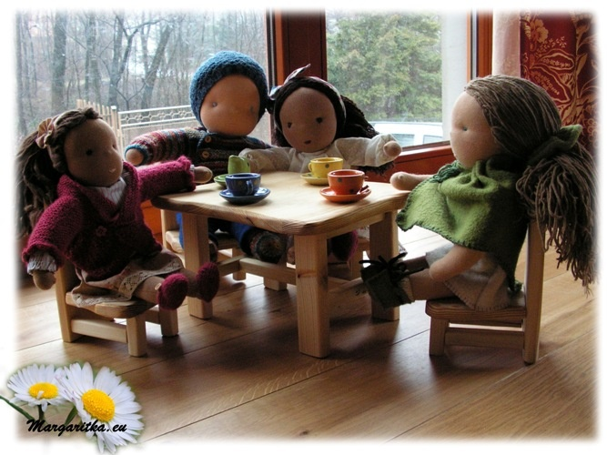 -farmers-joy-waldorf-doll-furniture-5_667