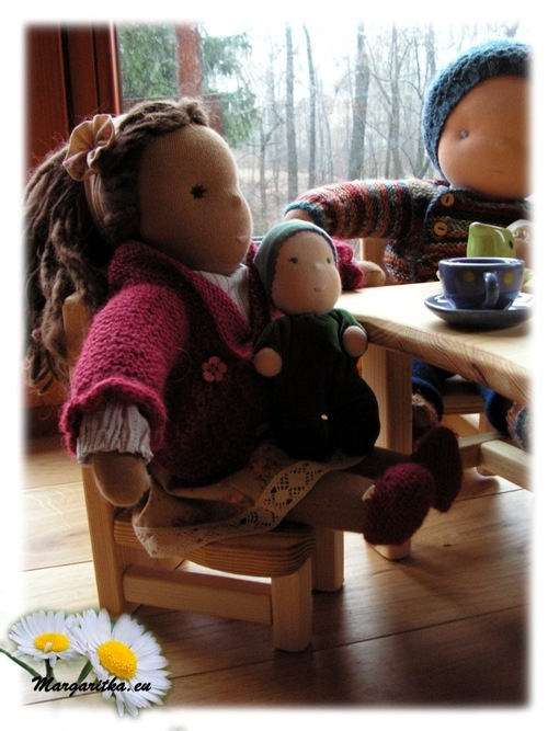 -farmers-joy-waldorf-doll-furniture-6_667