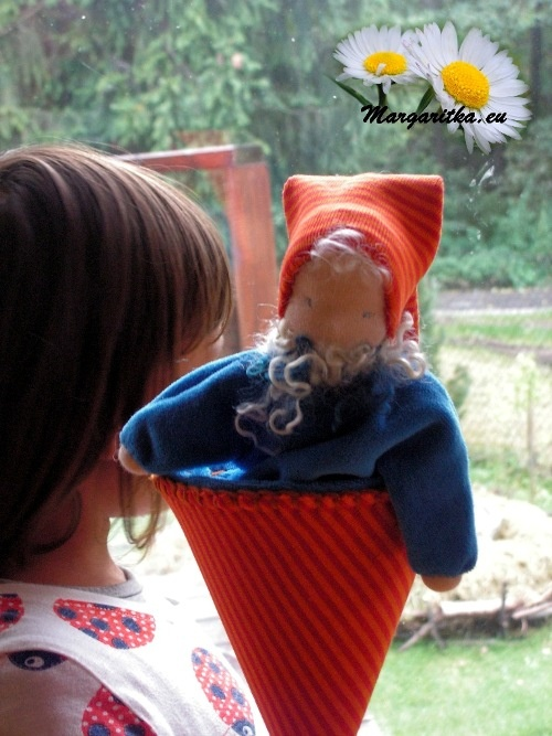 margaritka-pop-up-doll-waldorf-doll-cone-puppet_-_peek-a-boo-kiekeboe-pop-stabfigur_handstabfigur_stockpuppe-1_667