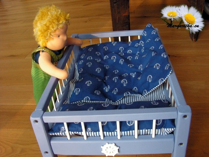 margaritka-waldorf-steiner-baby-doll-bed-18-inch-american-girl-doll-bed-48cm-8_667